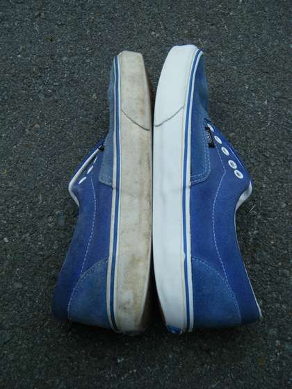 clean your old shoes with colgate...