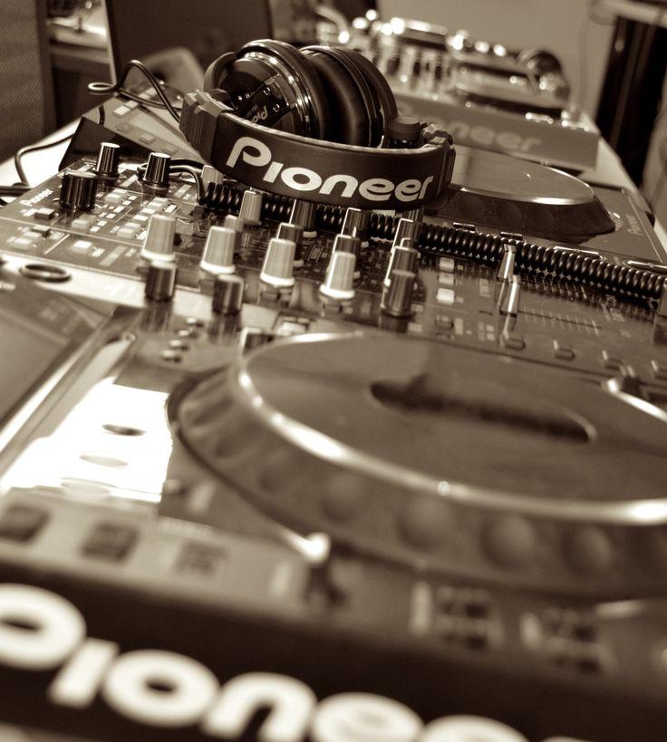 Pioneer DJ HDJ-1000 and CDJ 800 @Digital DJing with Sara Simms