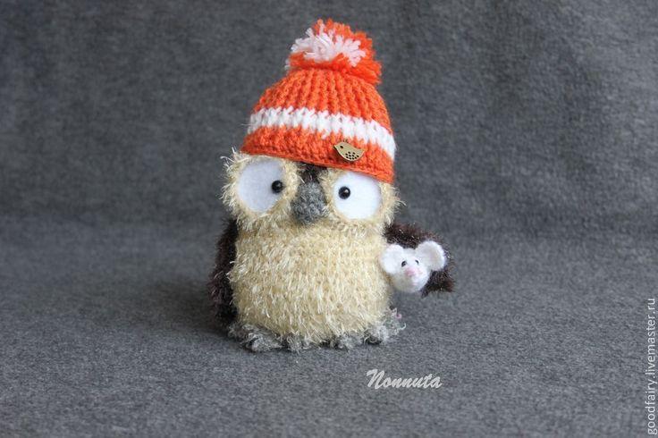 Купить Совенок Генри - коричневый, сова, совенок, вязаная сова, сова в шапочке, пушистая сова ♡