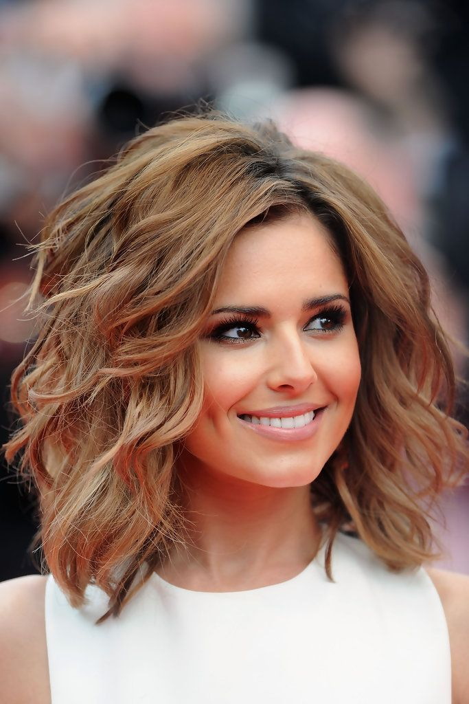 Cheryl Cole Lookbook: Cheryl Cole wearing Short Wavy Cut (22 of 125). The beautiful brunette wore a voluminous, waved hairstyle with honey-hued highlights.