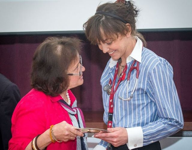 Central Clinical School News Blog: Photo of the week: 2015 D.S. Rosengarten Surgical Trainee Research Prize, won by Dr Katherine Suter. Katherine is receiving the prize from Mrs Candice Rosengarten.