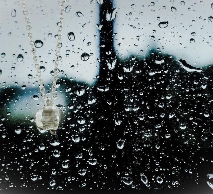 Piove piove piove... Ma tanto ci penso io a te! ❤️ #queriot #civita #campanellaombrellino #cipensoioate #love #rain #takecareofyou #sweetnovember #casalecchiodireno #gioielleriapatriciapapenberg #argento #ororosa #followus #staytuned #followourwebsite #shoponline https://www.patriciapapenberg.com/product/10402786/campanella-ombrellino