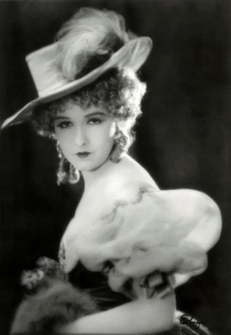 "Gorgeous photo of Dorothy Gish from ""Nell Gwyn""....silent film in the 1920s"