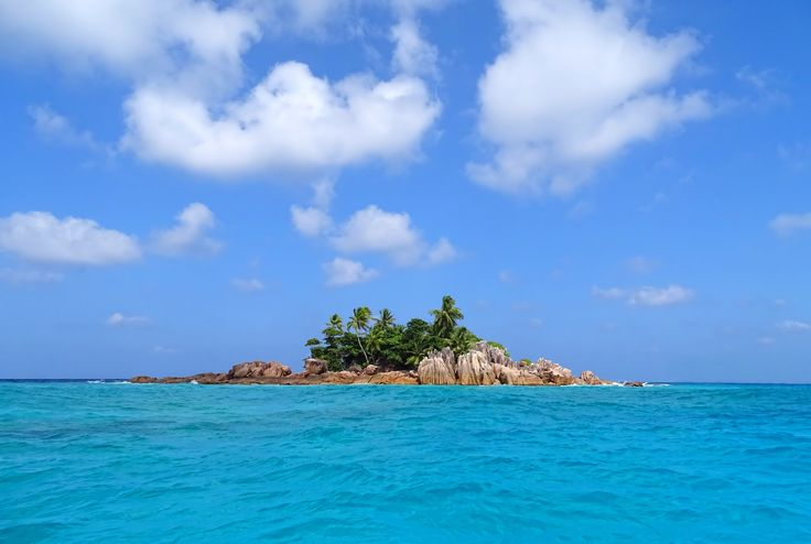 St. Pierre Seychelles. That Indian Ocean island you've imagined while daydreaming. [OC] [3840x2578]