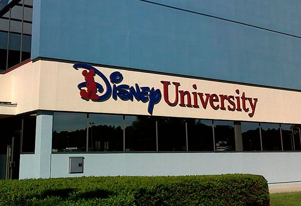 4 clases de la Universidad Disney para ser exitoso | Alto Nivel