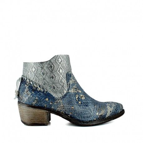 Baltimora Navy   Half boot in real leather reptile effect. Heel high 4 cm, rubber sole