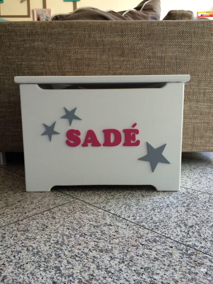 http://www.shuuske.nl/a-41102167/origineel-kraamcadeau-met-naam/speelgoedkist-met-naam-houten-letters-klein/