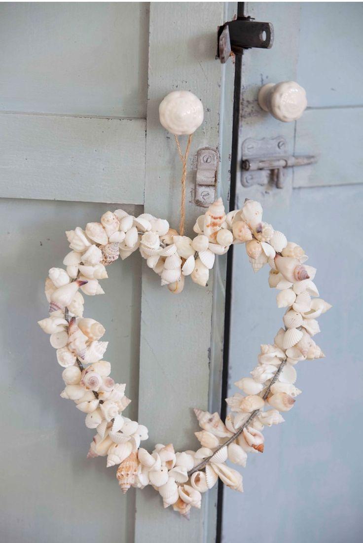 Corazón hecho con conchas de mar, pomos para armario de porcelana.