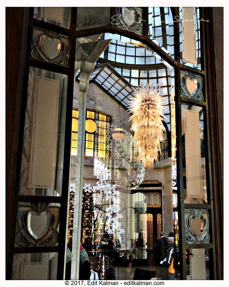 Christmas #Budapest, #Christmas, #Crystal, #Festive, #Fourseasons, #Gresham, #Hotel, #Light, #Quote, #Window - https://goo.gl/jwn7dr