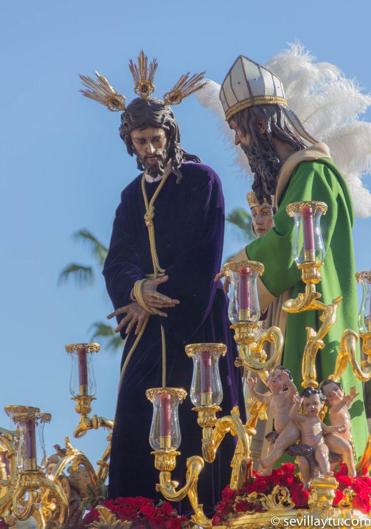 Lunes Santo. Detalle del paso de Nuestro Padre Jesús en su Soberano Poder ante Caifás, Hermandad de San Gonzalo.