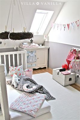 Like the Way the landing is used as an extended kids room