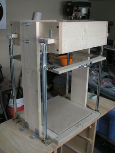 Instructables - Budget Vacuum Forming