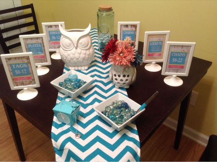 Origami Owl - Jewelry Bar Display