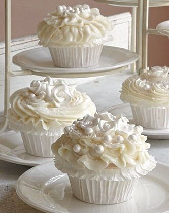 Pearl White Cupcakes