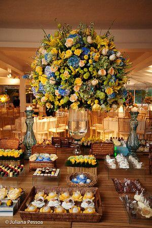 Mesa decoração azul e amarelo