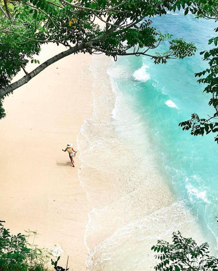 Jika dolaners melihat peta bali, maka dolaners akan melihat 3 buah gugusan pulau. Ketiga pulau tersebut memiliki luas yang berbeda-beda. Diantara ketiga pulau tersebut terdapat Pulau Nusa Lembongan yang merupakan pulau yang terluas kedua di antara ketiga pulau tersebut. Pulau Nusa Lembongan ini juga kaya akan pesona wisata dan wisatanyapun bervariasi.