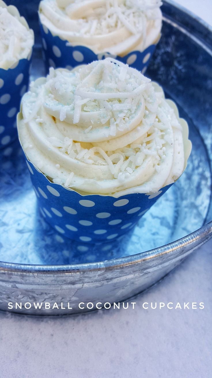 Snowball Coconut Cupcakes