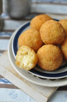 Sajtos rizsgombóc – Csak a Puffin