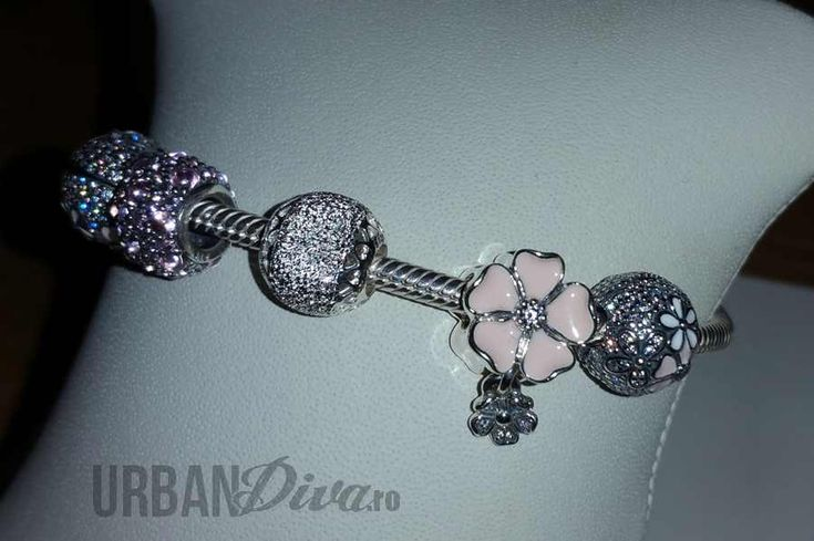 It's that exciting time of year again when Pandora start hosting their Spring/Summer media events for bloggers and the press; this post brings some sneak peeks from previews hosted in a variety of places including Romania and Poland. I already posted a preview of the Pandora Rose Spring 2017 collection earlier on, but these photos give us … Read more...
