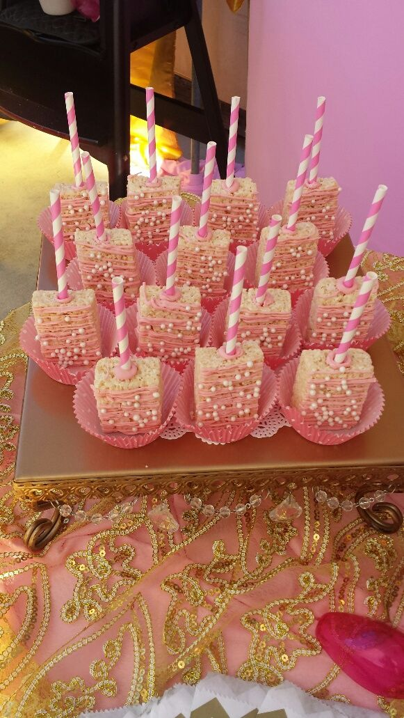 Rice Krispy treats. Pink and Gold Minnie Mouse candy bar