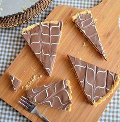 Caramel shortcake, millionaire's shortbread, twix taart. Er zijn verschillende namen voor deze goddelijke taart, het recept vind je hier!