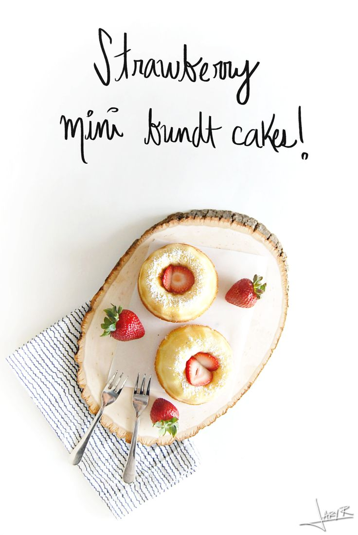 Strawberry Mini Bundt Cakes | Inspiration Nook #strawberry #bundtcakes