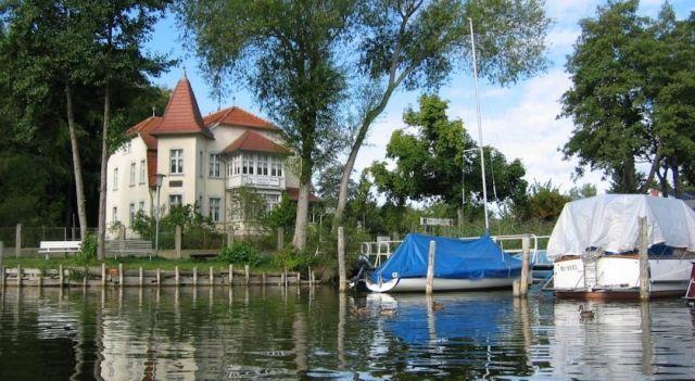 Gast-& Logierhaus Am Rheinsberger See - #Guesthouses - $43 - #Hotels #Germany #Rheinsberg http://www.justigo.us/hotels/germany/rheinsberg/gast-amp-logierhaus-am-rheinsbergersee-see_207257.html