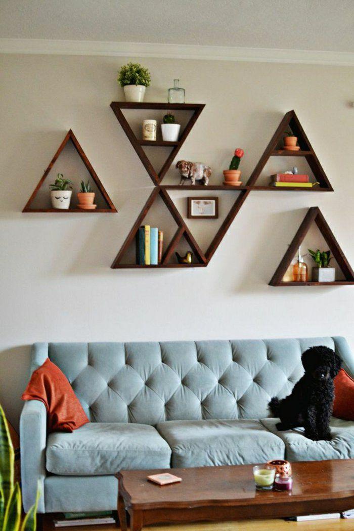 Etagère. 1-étagère-en-bois-marron-foncé-canapé-gris-table-basse-en-bois-foncé-etagere-en-bois