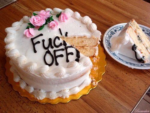 funny cakes16 Are cakes really the best way to get a message across? (23 photos)