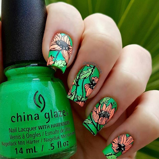 One more photo! 😉 I can't stop...lol 😂 Spring is here...welcome all the new beginnings! 🌷🌺🌷 Products used: 🔸@uberchicbeauty (13-03) #uberchicbeauty #uberchic 🔸@chinaglazeofficial (In the lime light - Flip flop fantasy - Whip it good - Lime after lime) #chinaglaze #chinaglazepolish 🔸@mundodeunas black  #nailartwow #nailartaddict #nailswag #nailsoftheday #nailstagram #npa #notd #nailedit #naillaquer #nailfashion #mani #nails #manicure #nailporn #nailsofig #nailsofinstagram #ignails…