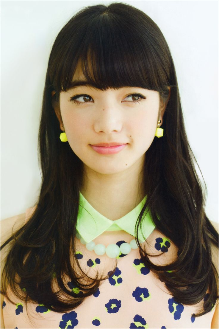Ayano (19, portrayed by Komatsu Nana), is Hisa's most loyal right hand. She has been dating her 27 year old-college teacher and so proud of it. 彩乃 - my color [http://www.20000-names.com/female_japanese_names.htm]