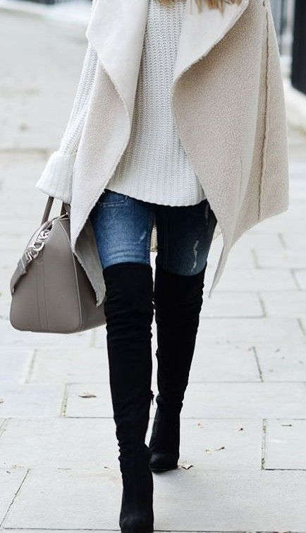 over size white sweater, skinny jeans, over size cream wool vest, black otk boots