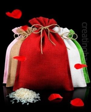 Combina hasta 17 colores de estas fantásticas bolsitas de arroz para bodas