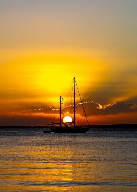Fraser Island sunset - (CC)Michael Dawes - www.flickr.com/photos/tk_five_0/7764030370/in/photostream#