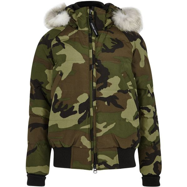 Canada Goose Savona camouflage-print bomber jacket (62.290 RUB) ❤ liked on Polyvore featuring outerwear, jackets, camoflauge jacket, canada goose jacket, camouflage jacket, bomber jacket and green bomber jacket