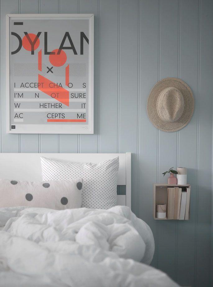 I oktoberutfordringa inne hos NIB vil de se farger på soverommet. Før sommeren ble soverommet malt i en lys blå farge, og denne gangen...