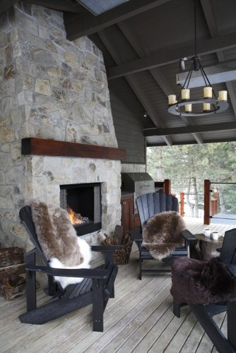 outdoor fireplace (on the porch)