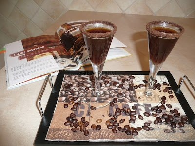 likier espresso http://kolorowowkuchni.blogspot.com/2012/06/likier-espresso.html