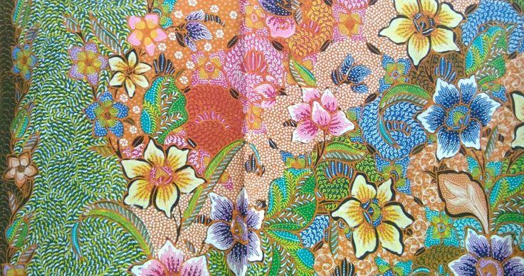 My own personal collection, this new handrawn batik of length 2,5 meters in the style of Pekalongan Batik Hokokai.