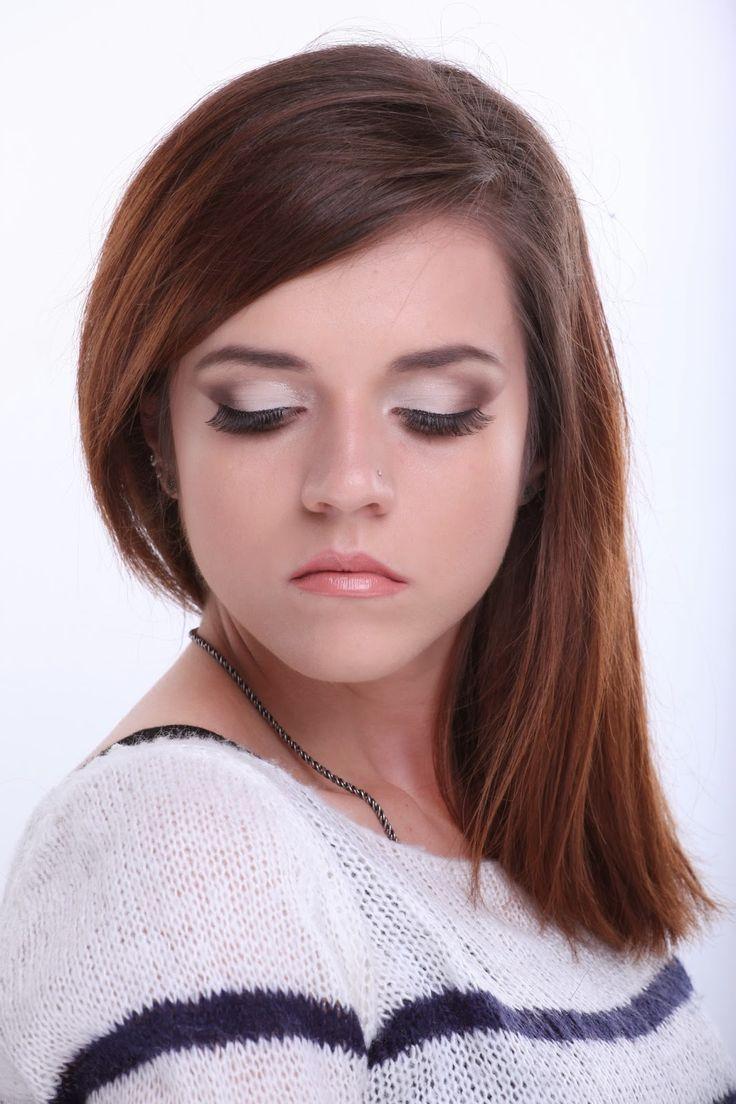 portofoliuFor The Sake Of Make-Up : portofoliu