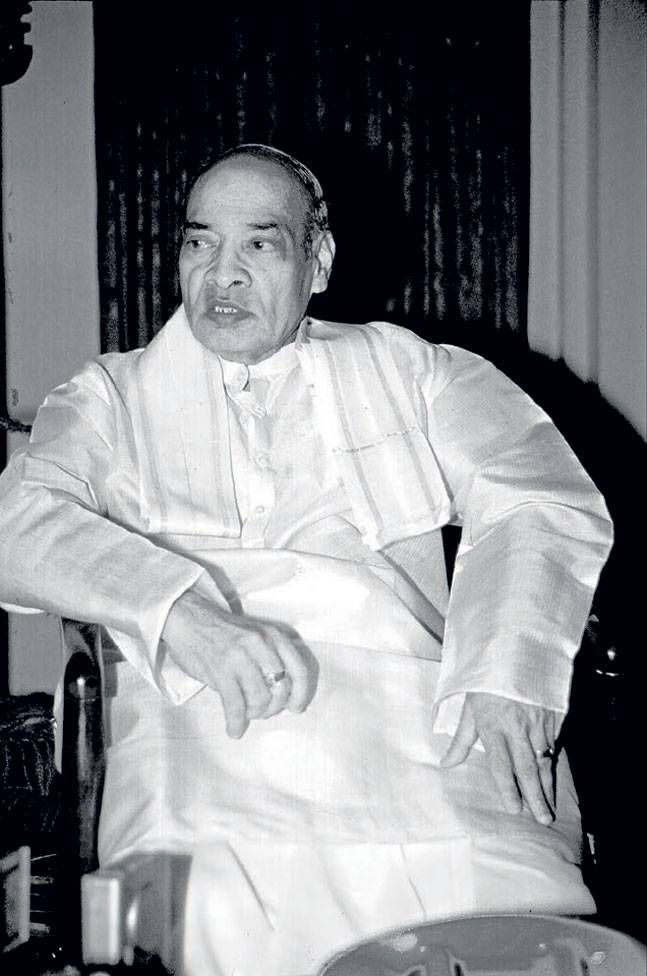 P.V. Narasimha Rao http://indiatoday.intoday.in/story/network-czar-zee-tv-promoter-subhash-chandra-esselworld/1/575662.html