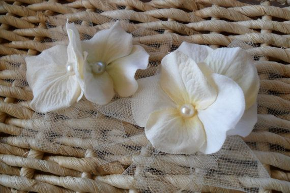 Ivory Flower Hair Clip by gurliglam on Etsy, $7.25
