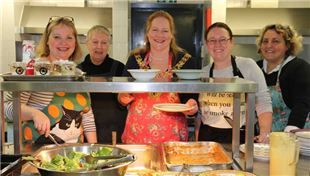 Following a call to local businesses from Trinity Winchester for cooking teams to help staff the kitchens when their regular chef is away this month, Winchester City Council has responded with enthusiasm...  To read more, follow the link below:  http://www.winchester.gov.uk/news/2017/feb/council-leaves-lovely-taste-trinity-winchester/