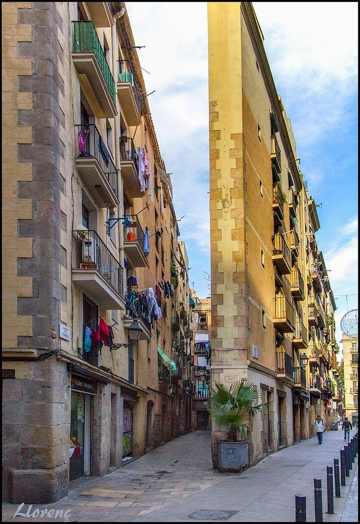 Carrer del Triangle-Carrer del Rec  Sant Pere - Santa Caterina i la Ribera, Barcelona,   Catalonia                                                                                                                                                                                 Más