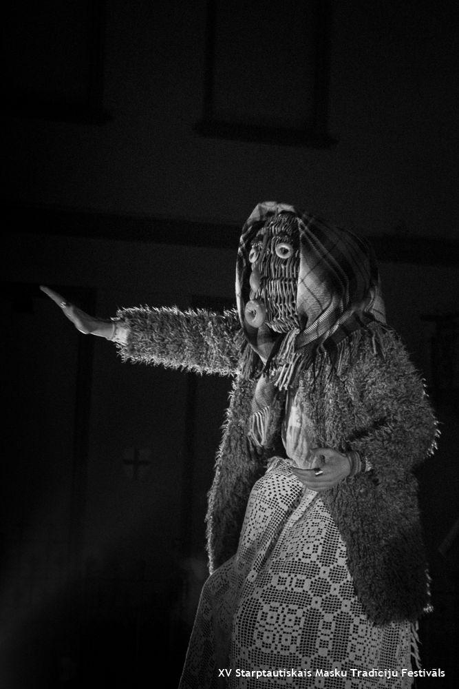 XV Starptautiskais Masku Tradīciju festivāls / XV International Mask tradition Festival // Individuālo masku šovs / Individual Mask Show // Datums / Dates / 15 - 2 - 2014 // Fotogrāfs / Photo / Jordi NN