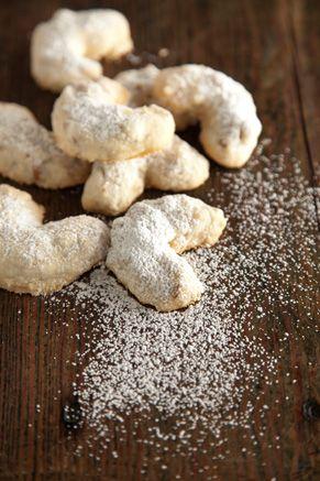 https://pauladeen.com/recipe/grandma-pauls-sand-tarts/