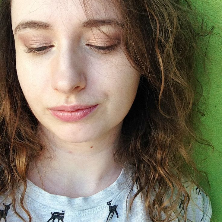 """Polubienia: 94, komentarze: 4 – Paulina Weiher @theCieniu (@paulinaweiher) na Instagramie: """"A to makijaż o którym pisałam w poprzednim poście - delikatnie brzoskwiniowe cienie i odrobina…"""""""