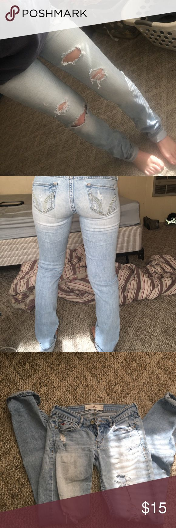 Faded hollister jeans Very cute hollister jeans. Looks great with everything ! Comfortable and like brand new. No flaws Hollister Pants Skinny