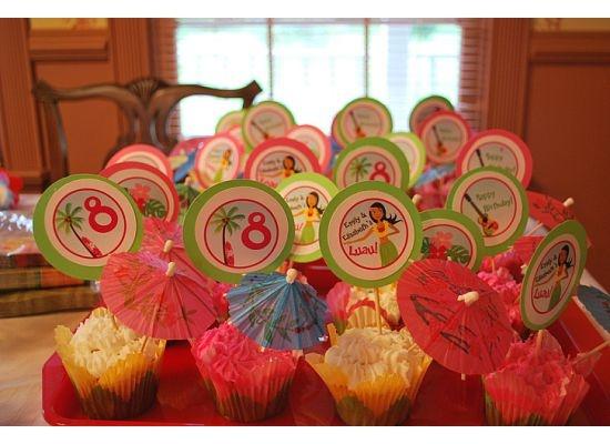 Luau birthday cupcakes....