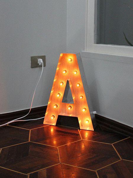 Luminária Retrô Letra A 45cm
